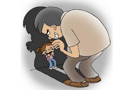 【震惊】男子在公厕猥亵强奸8岁女童